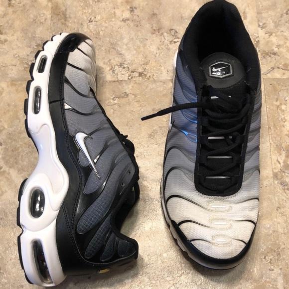 reputable site 89359 cc19e Nike Air Max TN Plus White Black Gray Mens Size 12